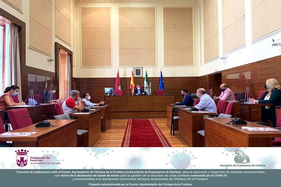 La Asociación inicia las Mesas de Dinamización de las relaciones. Un primer encuentro con Ayuntamiento de Chiclana y ENDESA.